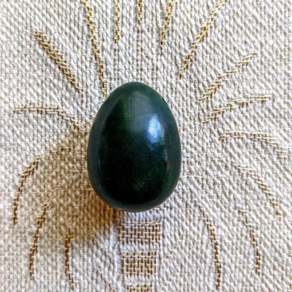 Green Nephrite Yoni Ei (M)